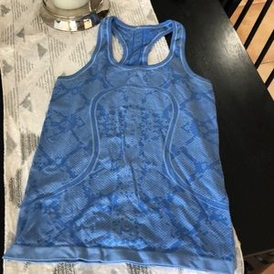 Lululemon athletica size 6 light blur print tank